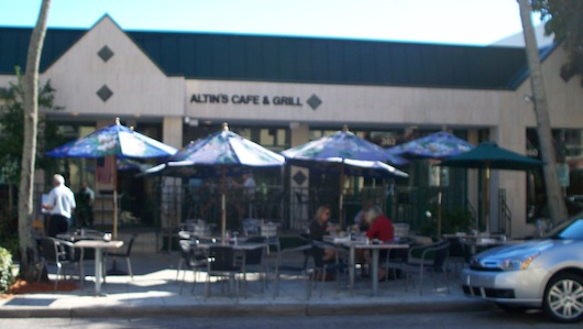 Altin's Cafe and Grill - Sidewalk Cafe in Naples on Fifth Ave