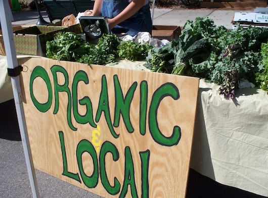Organic and Local Farmer's Market in Naples