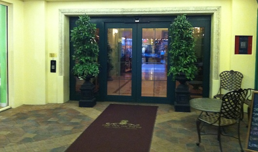 Entrance to the Inn on Fifth in Old Naples